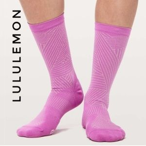 Lululemon Show Me The Distance Sock *Silver